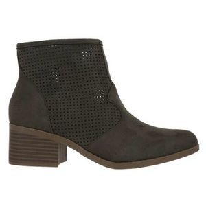 Cityclassified ankle booties 7 1/2